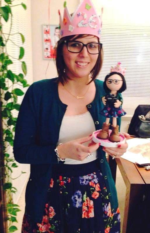 Anna con su mini-yo