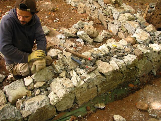 Build more cob cob cottage company 1 000 house for Building a stone home