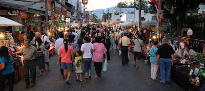 (Thaialnd) - Chiang Mai - Tha Pae Walking Street