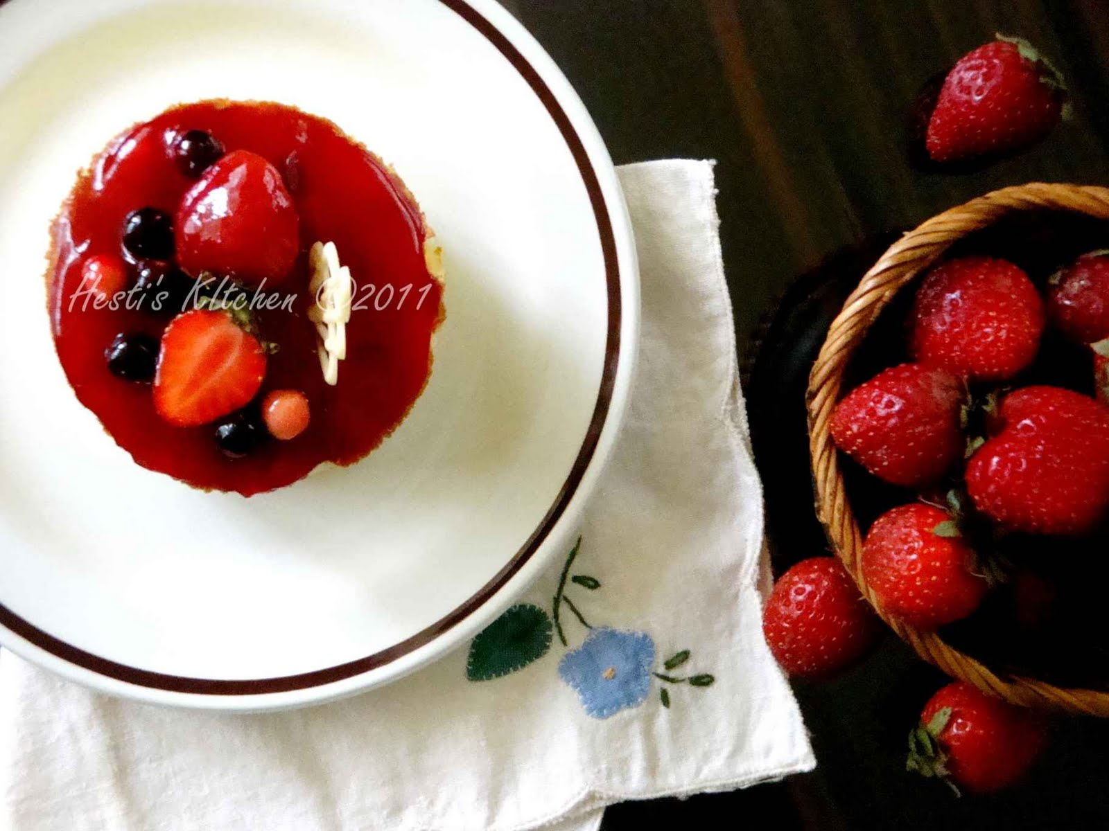 Hestis Kitchen Yummy For Your Tummy Strawberry Cheese Cotton Cake Selai Resepnya Kuambil Dari Majalah Sedap Resep Aslinya Tiramisu Terdiri Dua Lapis Keju Dan Kopi Tapi Aku Cuman Pake Cheesenya Aja