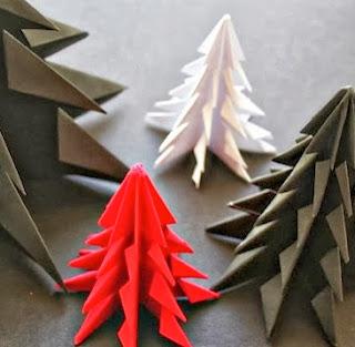 http://todiyornottodiy.blogspot.pt/2013/11/arvores-de-natal-origami.html