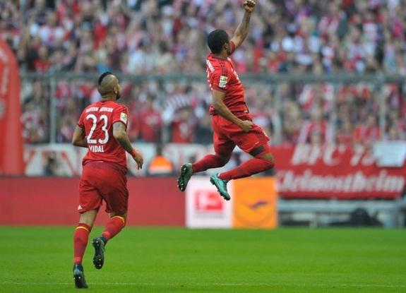 FT: Bayern Munich 4-0 Stuttgart, Hujan Goll Tercita Di Babak Pertama