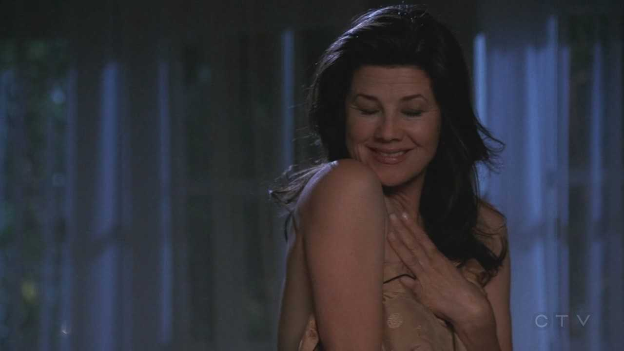 Daphne Zuniga Hot Topless Movie Scene In Nip Tuck