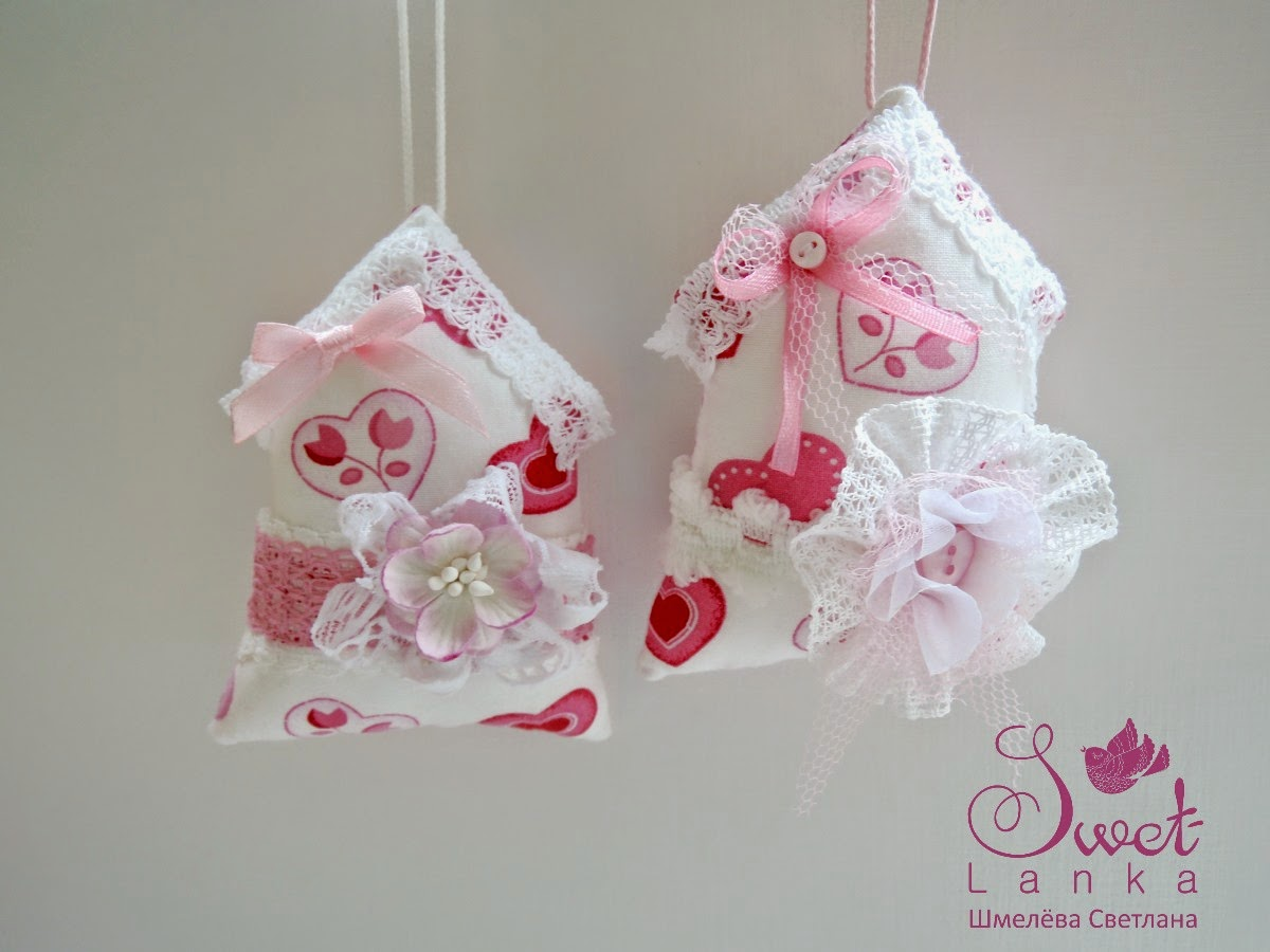 текстильный домик с сердечками