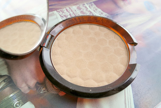 Adding Dimension Contour Bronze Highlight The Body Shop