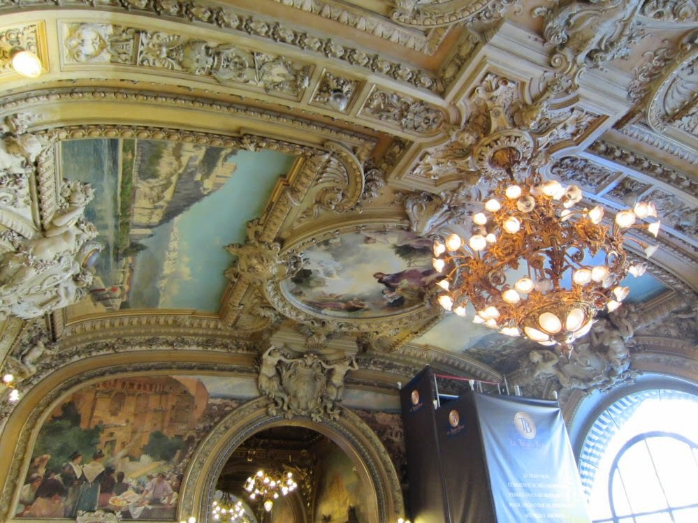 Paris, Le Train Bleu
