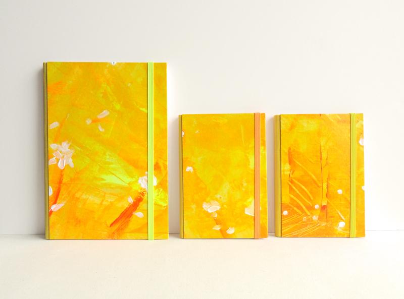 """Cuadernos artesanos encuadernados y pintados a mano """"Colección Sunshine"""""""