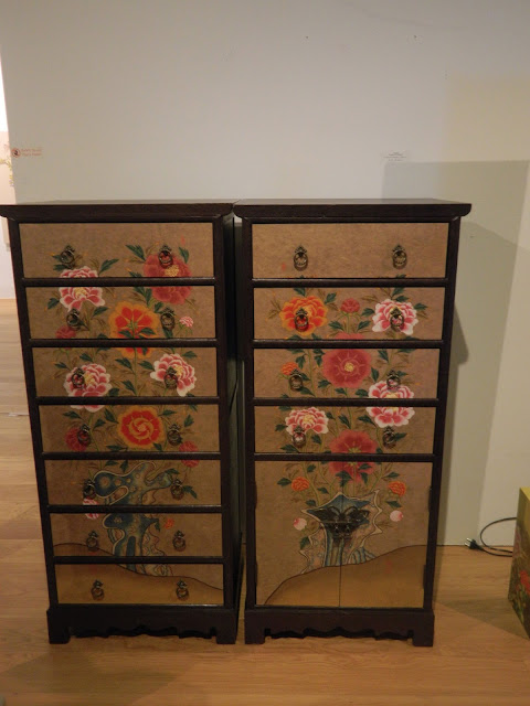 Chest with Minhwa chrysanthamum and peonies