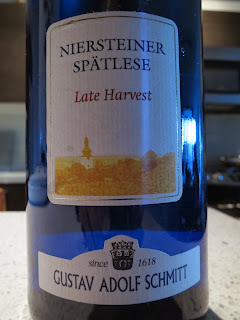 Wine Review of 2012 Gustav Adolf Schmitt Niersteiner Spätlese Late Harvest from Rheinhessen, Germany
