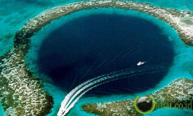 The Great Blue Hole, Belize