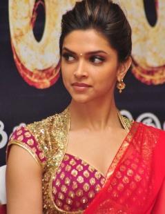 Hairstyles For Long Hair On Saree : ... sari kareena in black saree new hairstyle photos of hairstyle in india