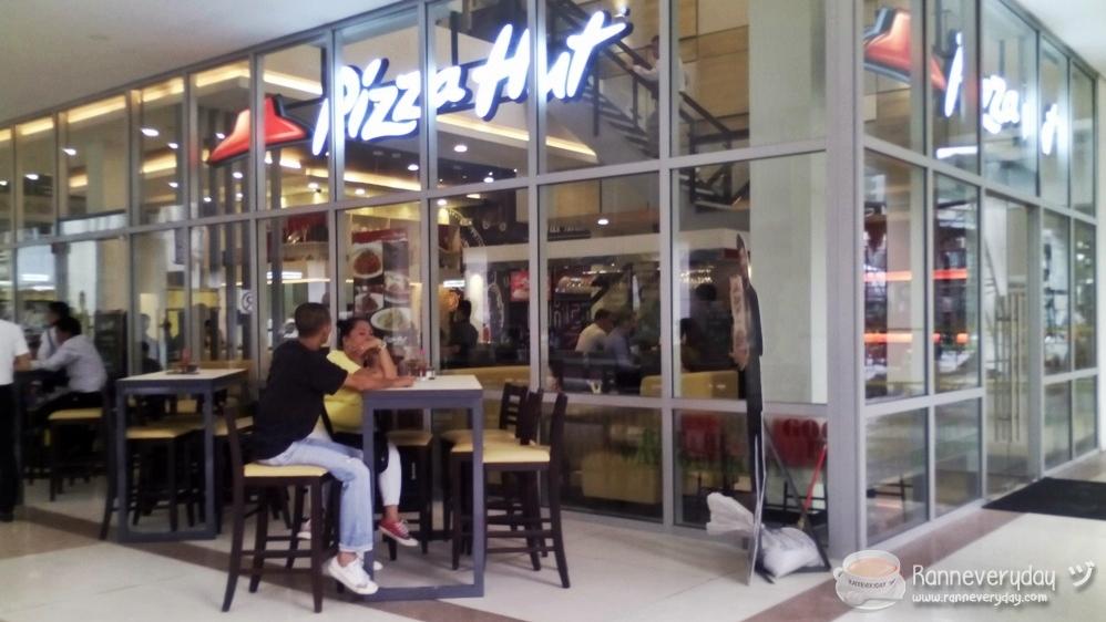 Pizza Hut Kitchen Tour delighful pizza hut kitchen roles restaurants uk chefs cooks 3 on