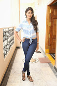 Pooja hegde gorgeous photo shoot-thumbnail-43