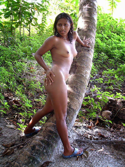 outdoor nude girl tamil