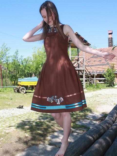 Сукня Перепілки на сонці українського модного дизайнера Ярини Жук