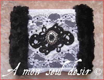 faux pearl blakc fake fur cameo victorian gothic gothik goth hand muff handwarmer