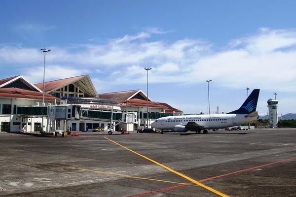 Bandara Sam Ratulangi Manado. ZonaAero