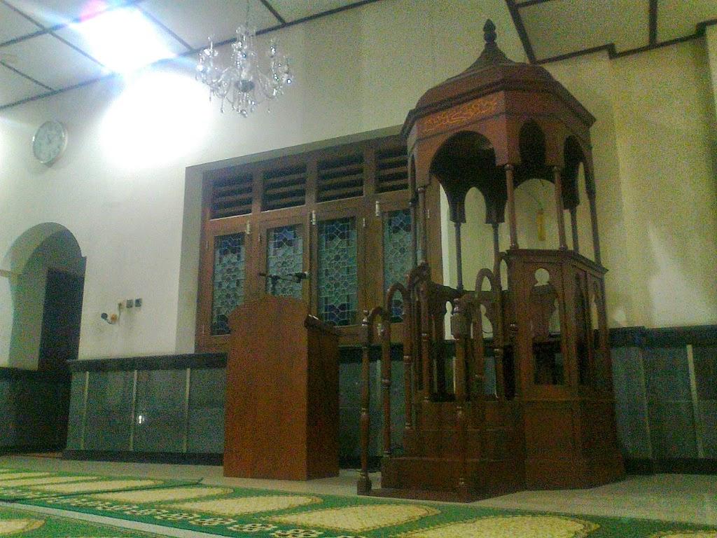 mimbar masjid perak