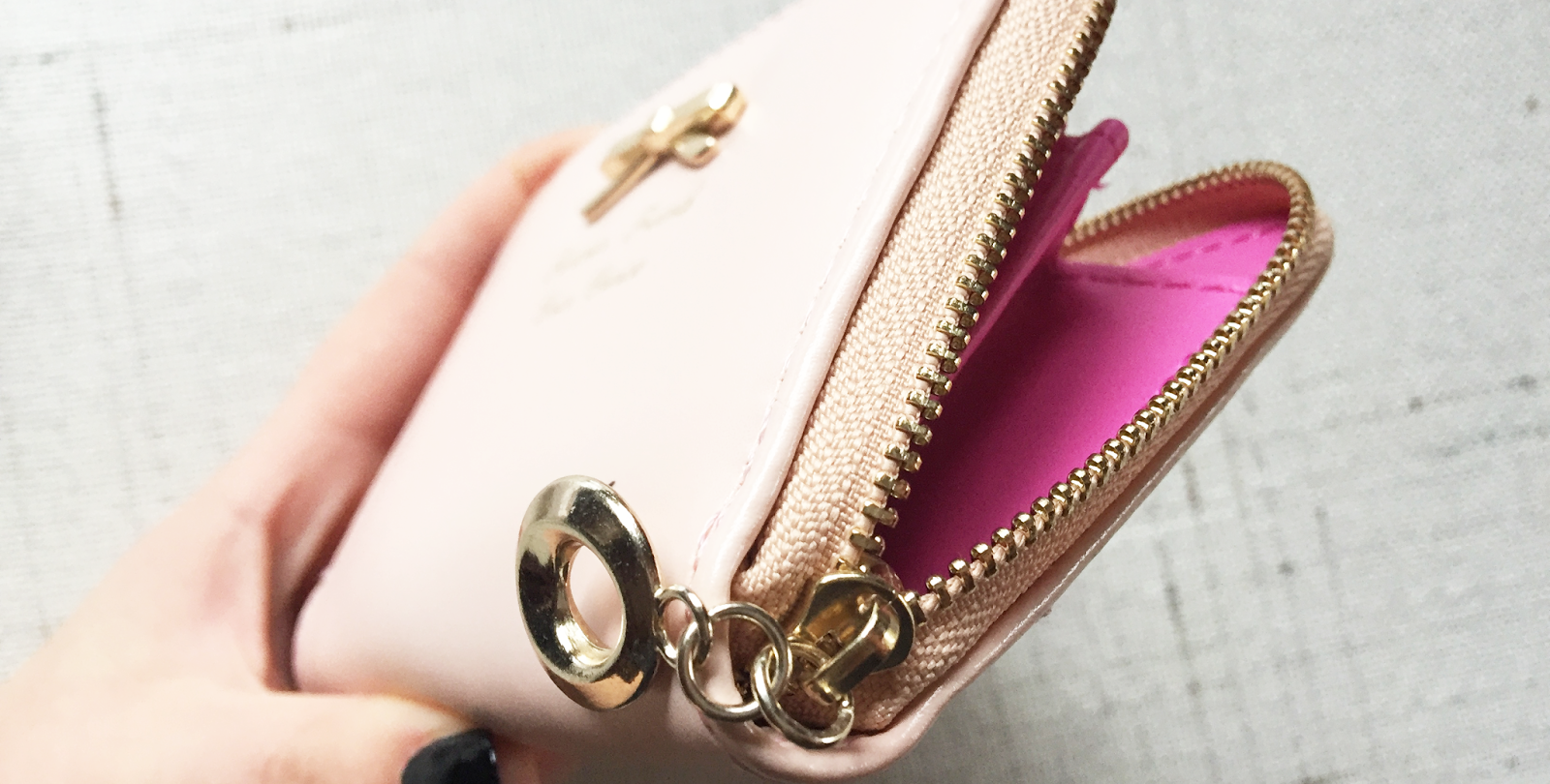 http://www.cndirect.com/2014-new-fashion-colorful-lady-lovely-purse-clutch-women-wallets-short-small-bag-pu-leather-card-hold-5.html?utm_source=blog&utm_medium=banner&utm_campaign=lendy319