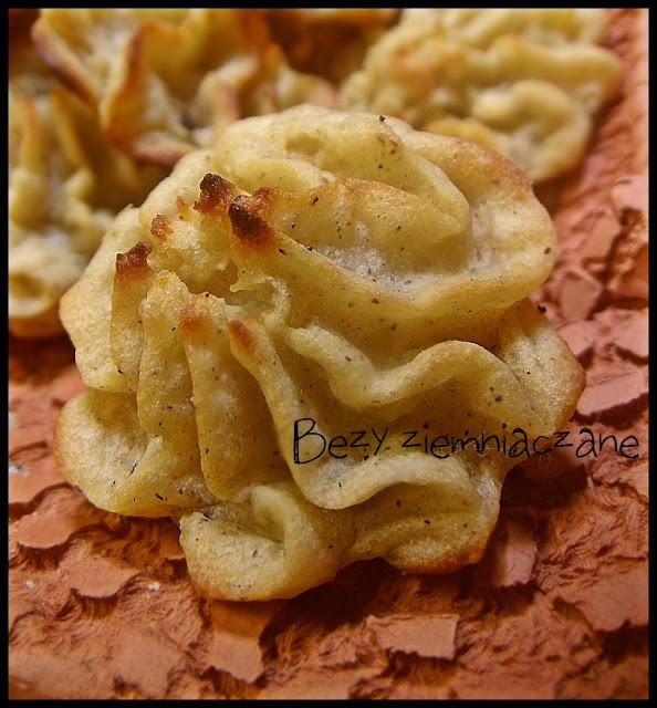 Beziki z ziemniaków z gałka muszkatołową pieczone w piekarniku