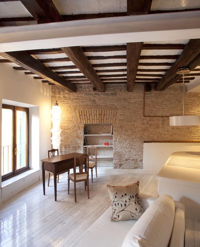 Casas minimalistas y modernas moderno y rustico studio for Comedor rustico moderno