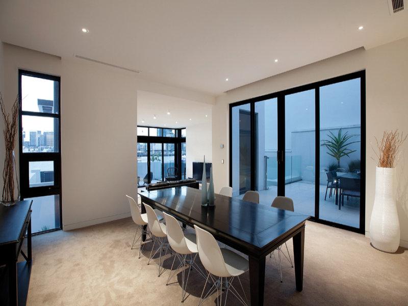 Modern Waterfront House At Docklands Melbourne Australia