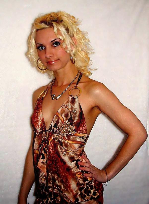 Jana Weckerly hot photos 10
