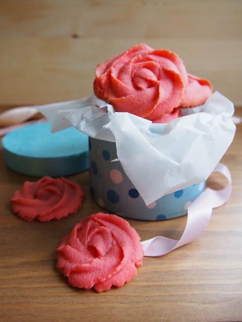 Rosette Cookies – Ruusupikkuleivät