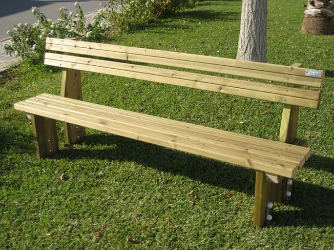 Actividades escolares bancos rusticos de madera muy buenas ideas para jardiner a - Banco de madera rustico ...