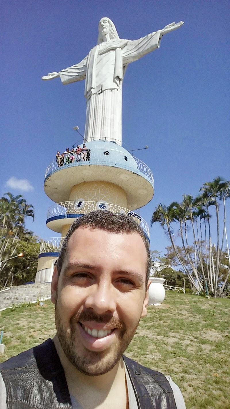 Selfie com a estátua do Cristo Redentor.