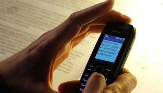 Penggunaan SMS sudah berusia 20 tahun.