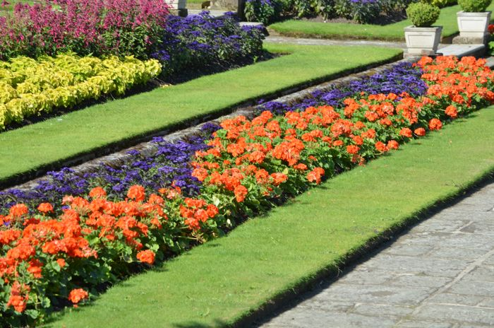 Dutch Formal Gardens Inspired Ernest Lawu0027s Design, Which Can Be Seen Most  Prominently In The Above Bed Of Flowers. The Triangle Pattern Was Common In  Formal ...