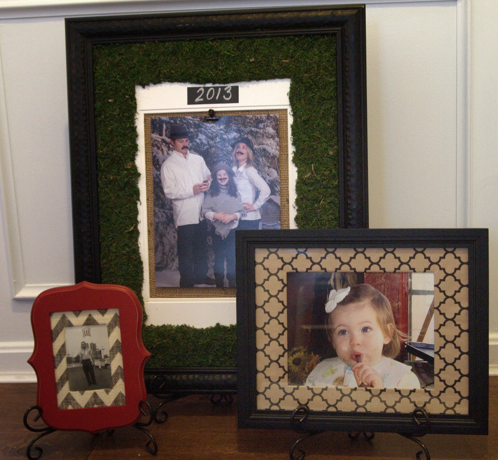 LoveYourRoom: Change The Mat Of A Photo Frame Instantly With Wide Ribbon