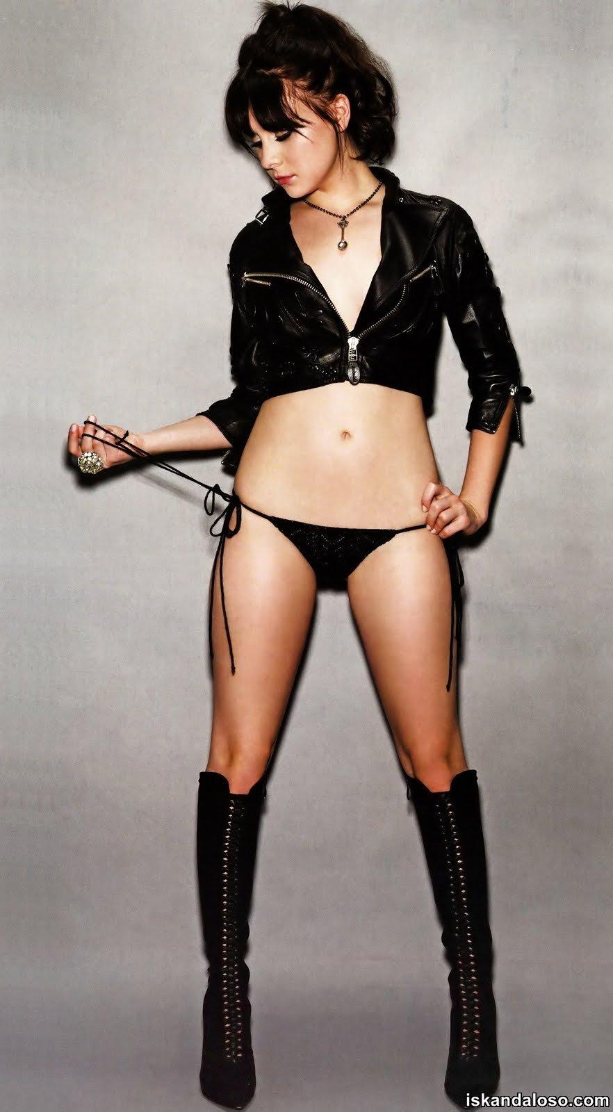 The Iskandaloso Group: Alessandra Torresanis Topless