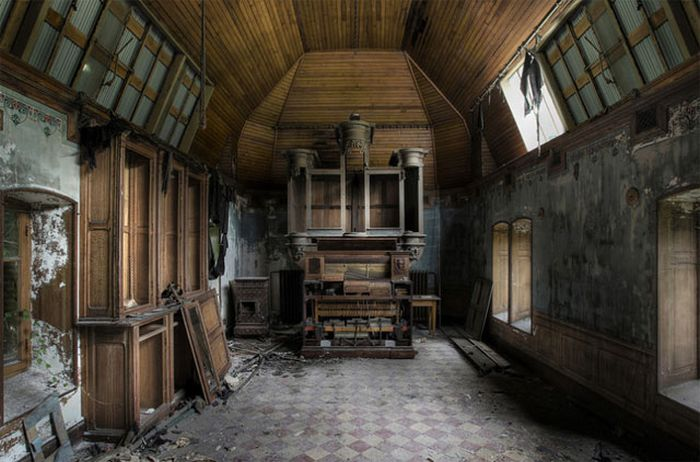 Chill Box Of Pics Beautiful Abandoned Places