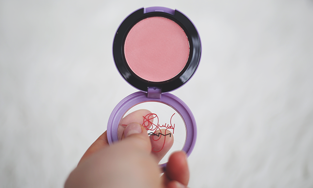 mac kelly osbourne cheeky bugger blush giveaway