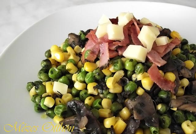 gombás borsós saláta sonkával fotó