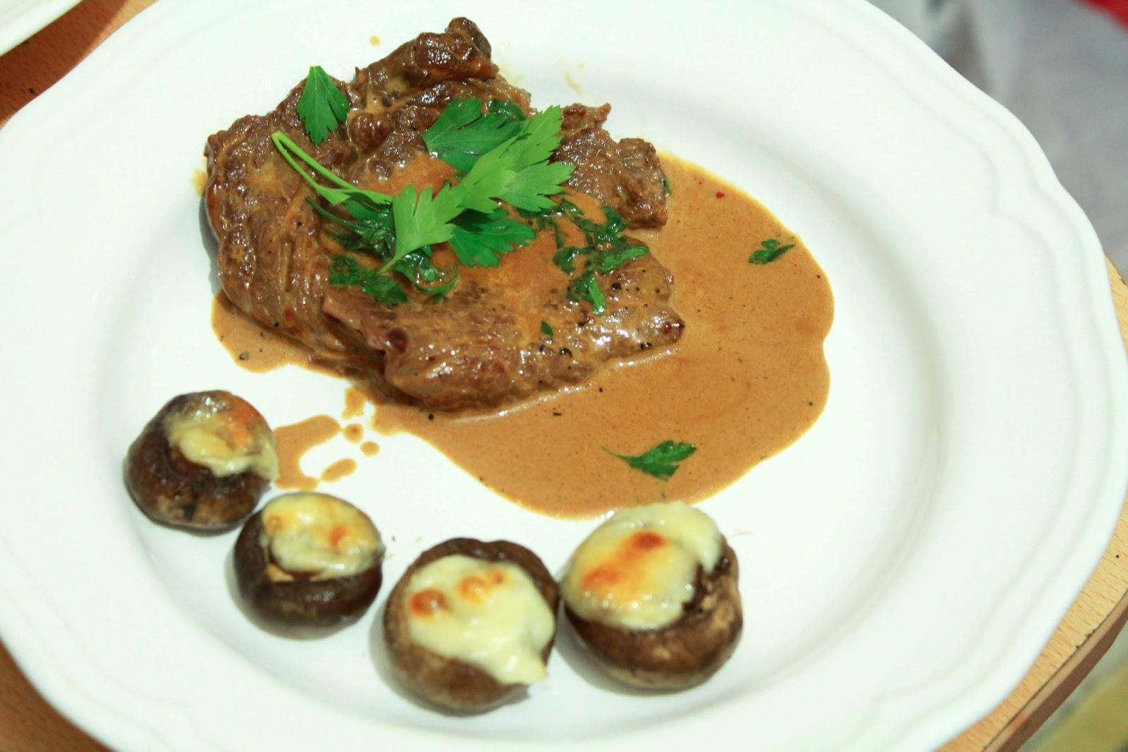 Mantarlı Ve Kremalı Biftek Tarifi
