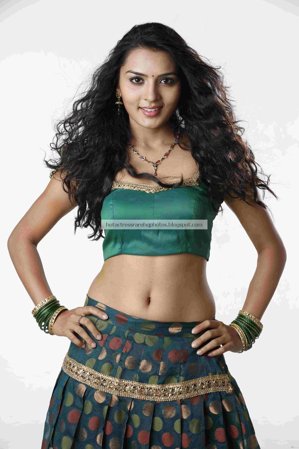 New Telugu Actress Sindhu Loknath Unseen Navel Show || Kannada Actress ...