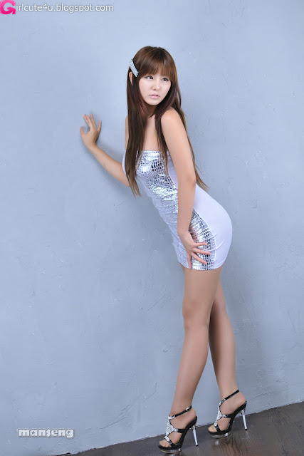 Ryu-Ji-Hye-Silver-Dress-06-very cute asian girl-girlcute4u.blogspot.com