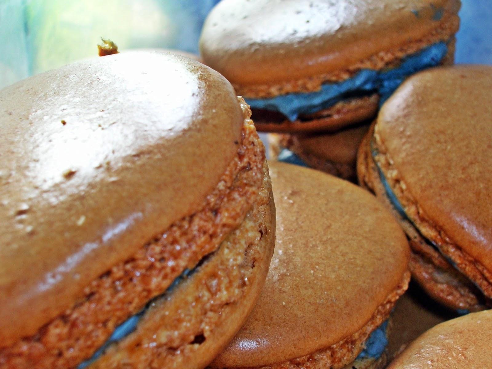 macarons buerre noisette macarons chilli chocolate macarons chocolate ...