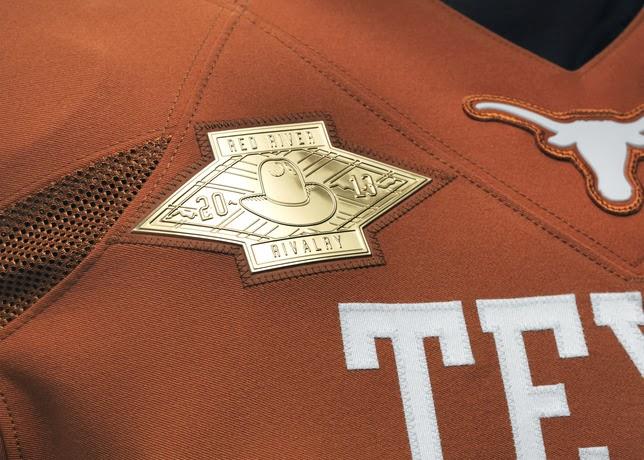 NCAA_FB13_UNIFORMS_TEXAS_Rivalry_0000_24