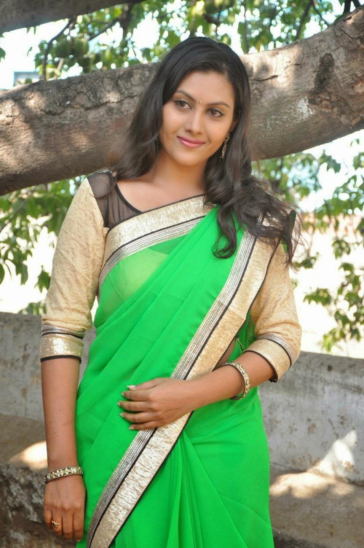 turboimagehost.com imagesize:956x1440 sp  C Actress, South Actress, Saree, Priyanka,