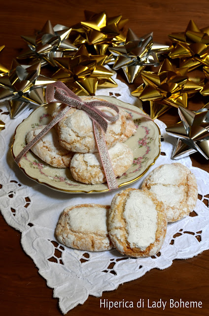 hiperica_lady_boheme_blog_di_cucina_ricette_gustose_facili_veloci_dolci_ricciarelli_di_siena
