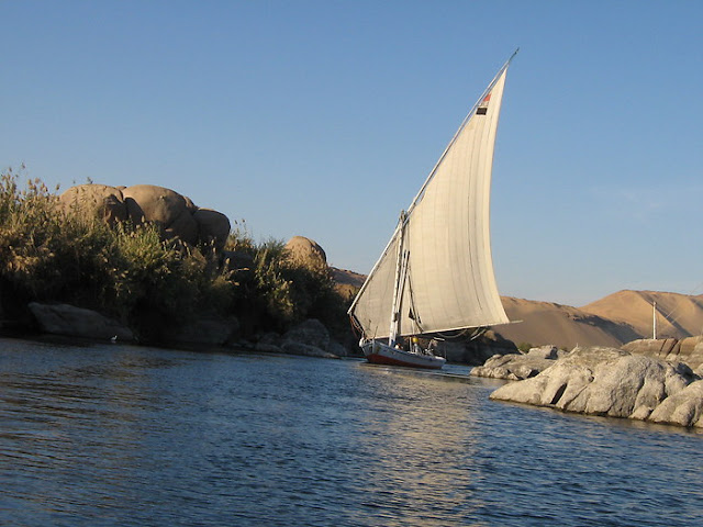Elephant-Stones-Felucca-Sailing-Nile-Cruise-Egypt-2008-Sealiberty-Cruising