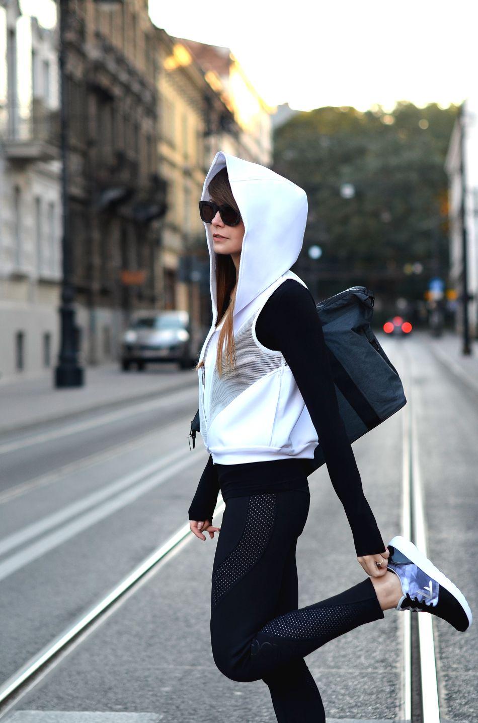 jak sie ubrac na silownie | ubrania 4F | legginsy z pianki | torba sportowa na silownie | motywacja do cwiczen | jak nie stracic motywacji | kolekcja ranity sobanskiej | blogerka krakow | blogi o modzie