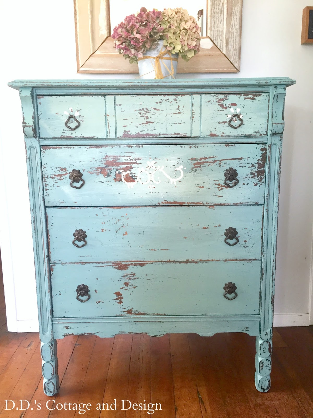 d d s cottage and design chippy milk painted dresser rh ddscottage blogspot com painted cottage furniture for sale cottage painted furniture ideas