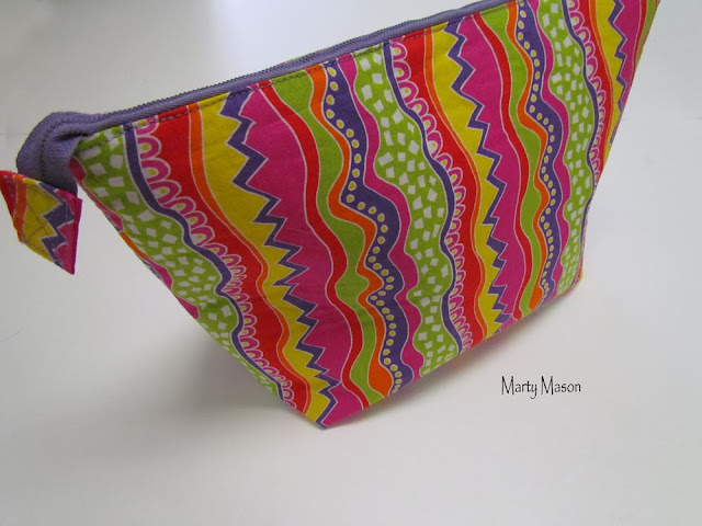 Wide-mouth zippered make-up bag