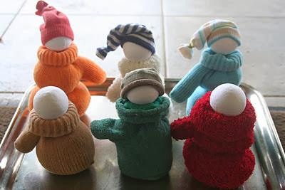 Κούκλες φτιαγμένες από γάντια-βήμα 3ο