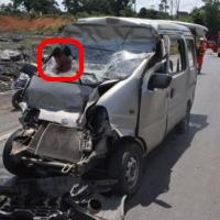 Mulher fica com cabeça presa em para-brisa em acidente